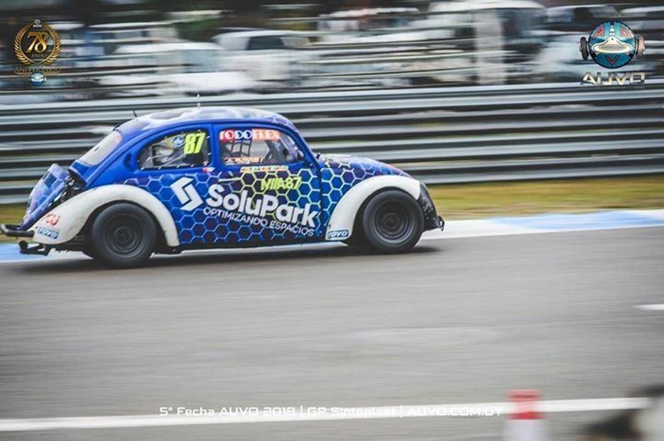 Matías Abella presentó nuevo diseño en su auto
